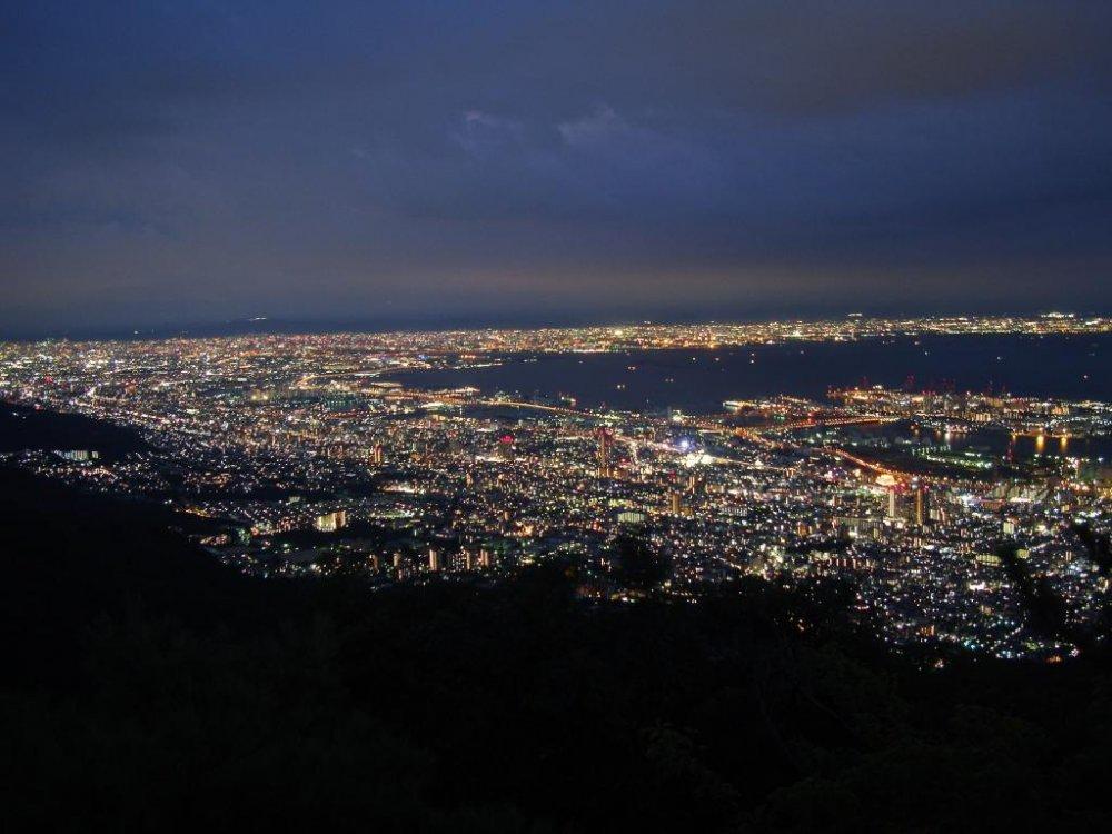 «Ночной вид на десять миллионов долларов» с горы Майя