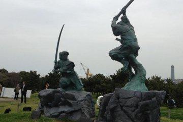 Ganryujima memorial statue, Musashi Vs Kojiro