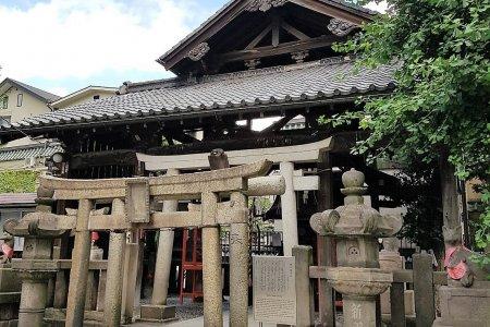 ศาลเจ้าฮิกาน อินะริ แห่งวัดเซ็นโซะจิ