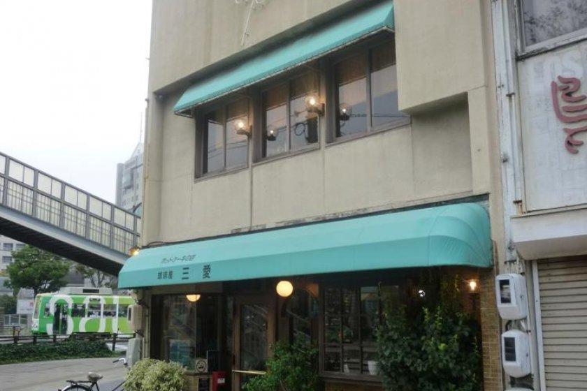 豊橋1号線沿いの三愛