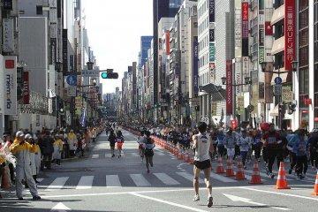 東京マラソンーランナーズ・ガイド
