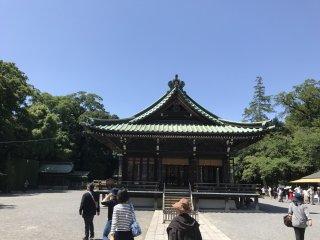 No interior do santuário