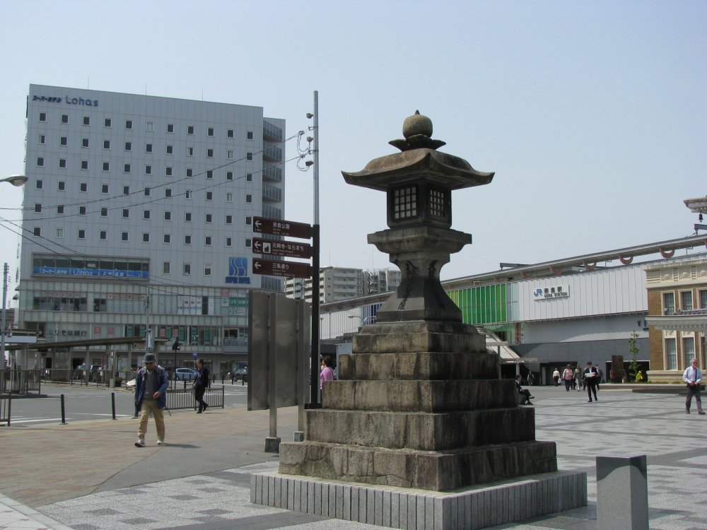 Отель везле станции в Наре