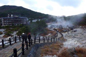 ลานน้ำพุร้อนเมืองอุนเซ็น