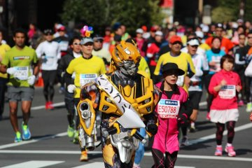 Wearing costumes is very popular at the Tokyo Marathon,