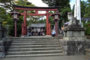 The entrance of Suwa Shrine