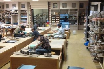 Banko ware pottery classes and visitor day classes can be arranged