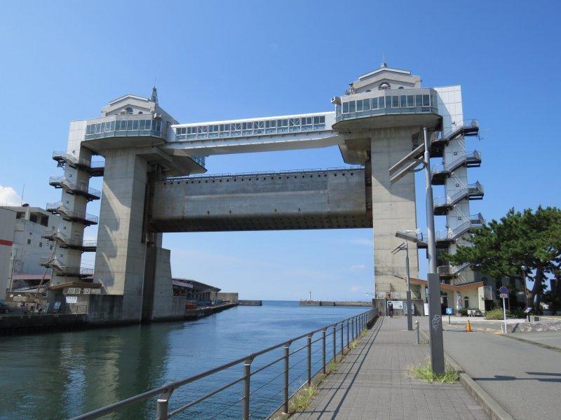 "Numazu Port observation point watergate ""View-O"""