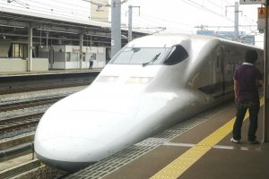 The shinkansen or bullet train from Tokyo to Kyoto via Shinagawa, Yokohama,Hamamatsu, Nagoya and Gifu