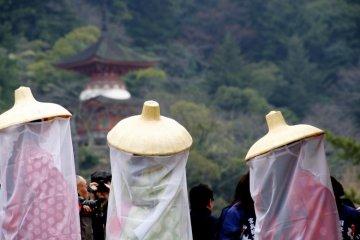 Living Heian scroll