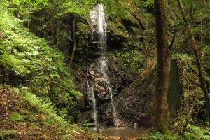 Водопад Сираито