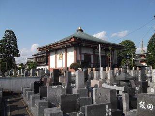 Makam dan aula