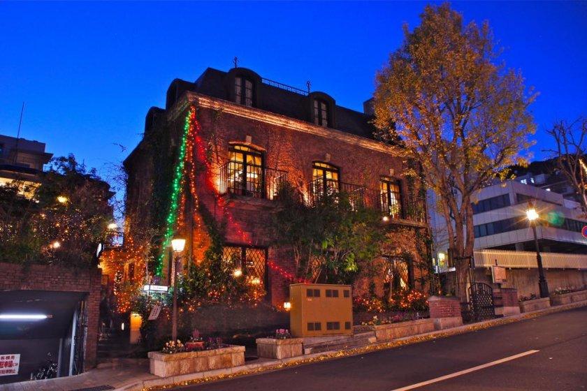 Christmas time light-up of Kitanozaka Nishimura Coffee shop