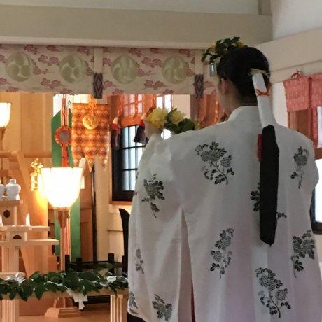 神社淨化 / 神社女祭司舞蹈