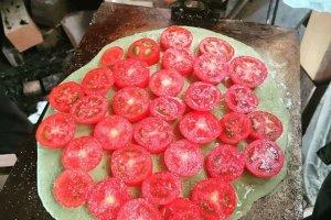 トマト栽培農家を訪問、試食した