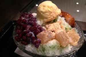 Having a shaved ice dessert is a joy offered by many of the larger bathhouses or super sento in Osaka