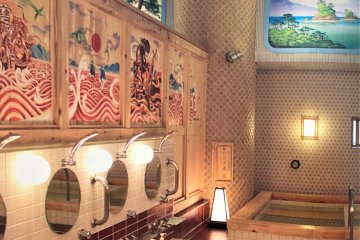 These days, there are only three artisans that specialise in murals for sentos and public baths.
