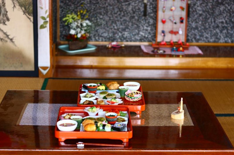 <p>The food is beautifully presented, down to the smallest detail.</p>