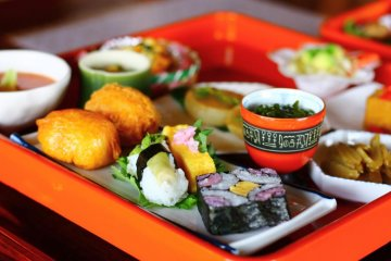 <p>This delicious spread was totally vegetarian!</p>