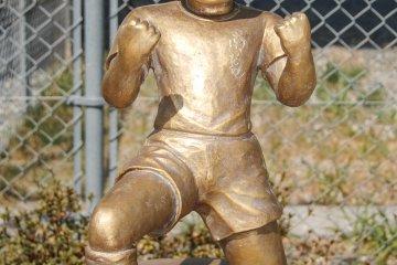 Estatua de bronce: Ryo Ishizaki (Bruce Harper)