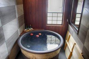 Shinshu apples and sake provide the perfect soak