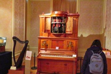Исторические музыкальные инструменты