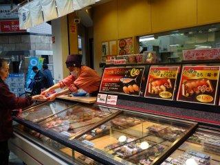 ซูชิพร้อมทาน ราคาถูกกว่านั่งทานในร้านอาหาร