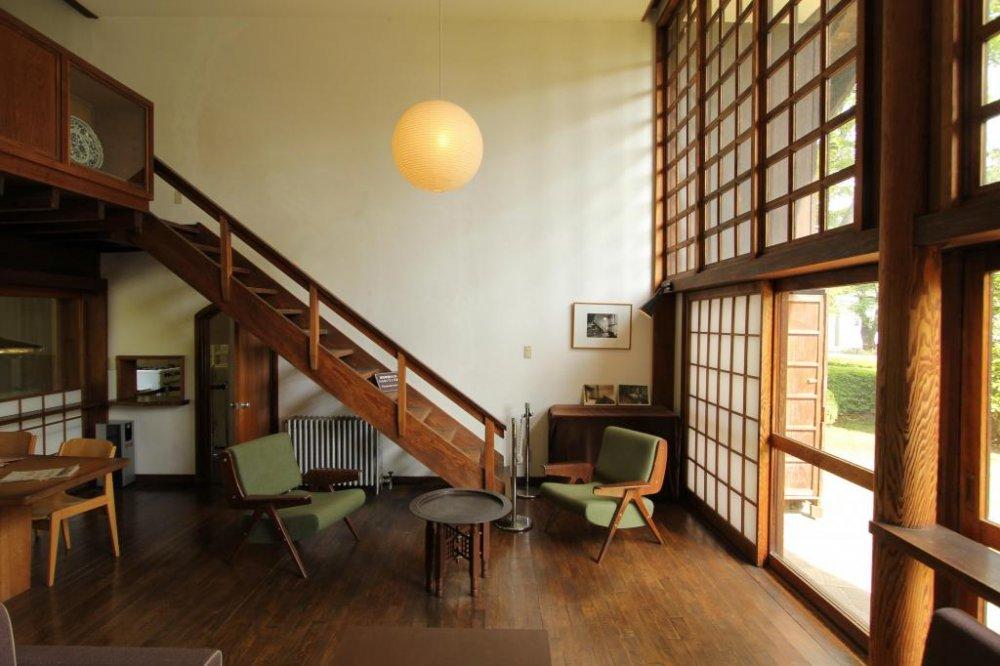 Простой, но потрясающий, собственный дом Кунио Маекава, 1942 года; Говорят, что этот дом положил начало современной японской архитектуры.