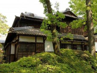 Очень отличающийся дом (построен в 1912 году) Корекийо Такахаши, политика в период Мэйдзи