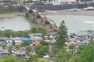 สะพานคินไทแห่งเมืองอิวะคุนิ