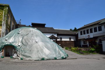 A snow storehouse is used here to allow the sake to mature in optimal conditions