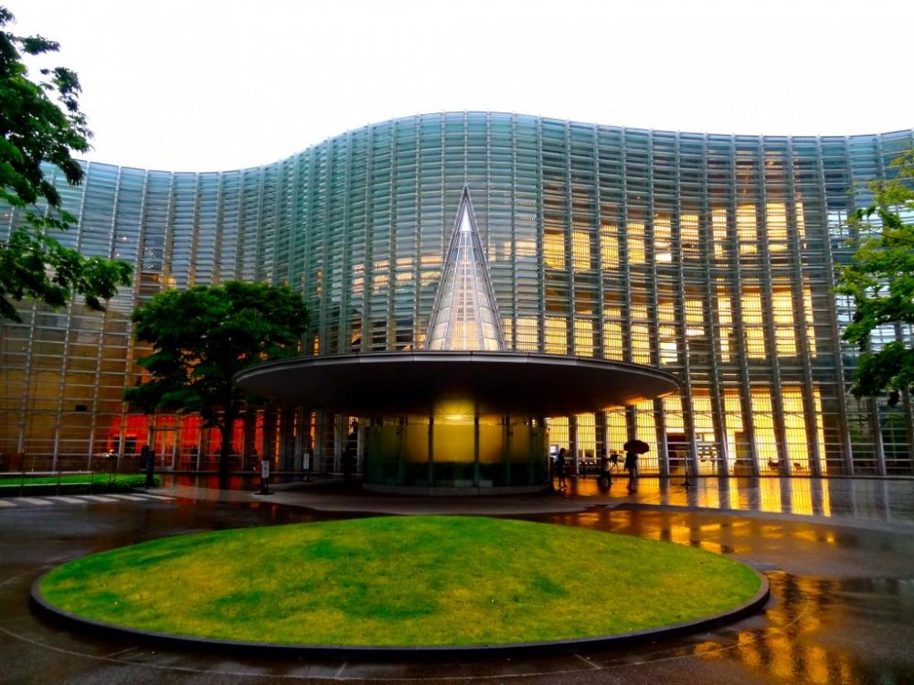The National Art Center, Tokyo at sunset. Closed Tuesday's. Wed-Mon 10:00-18:00. Fri 10:00-20:00.