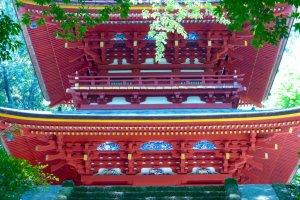 Three-story pagoda