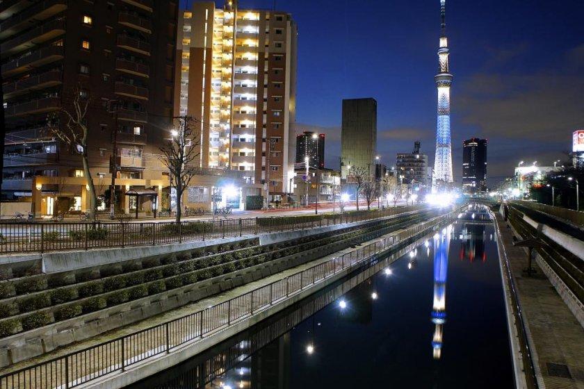 Reflection of the Tokyo Skytree near the Jikken-hashi Bridge