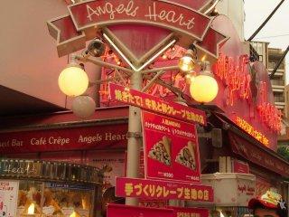 Angels Heart - một trong hai cửa hàng crêpe nổi tiếng ở phố Takeshita.