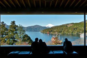 Pemandangan Gunung Fuji dari Museum Narukawa