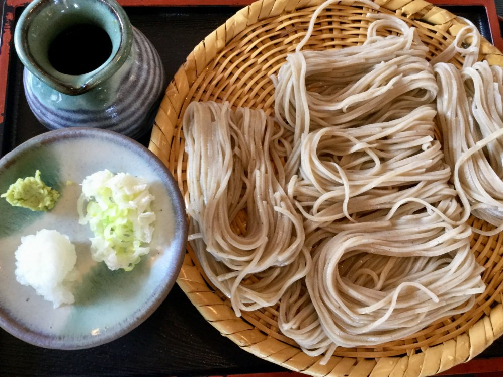 Mì soba zaru cổ điển giá vào khoảng ¥800