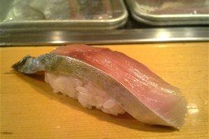 Salah satu potongan yang saya suka: sushi mackerel