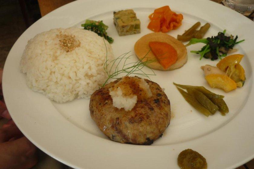 Cafe Shu\'s beautifully presented hamburger lunch