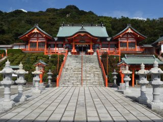 The shrine has all of the grandeur and none of the crowds