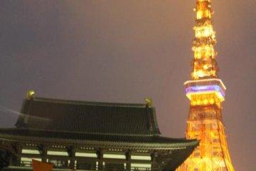 东京塔灯火通明