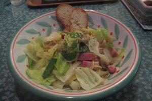 Creamy ham and cabbage pasta
