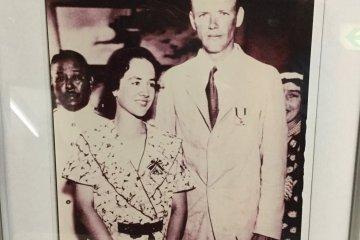 นักสำรวจชาวอเมริกา Charles Lindbergh และภรรยาของเขา Ann.