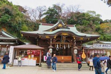 Enoshima Shrine Hetsunomiya