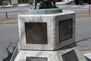 Памятник борцам сумо