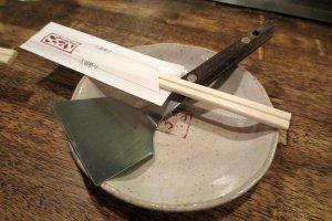 Essential tools for eating okonomiyaki