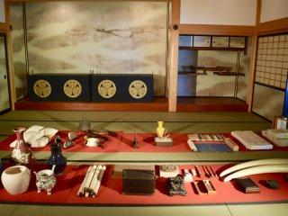 Так как Нагасаки был своего рода воротами в остальной мир, здесь можно найти примеры артефактов, которые привозили в город