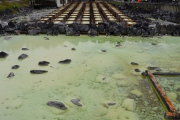 The yubatake is one of the most popular tourist attractions for Kusatsu, as it is one of the largest springs and the hub of town