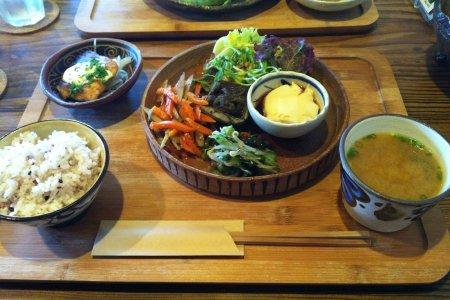 Phòng trưng bày nghệ thuật & cafe Doumu Okinawan