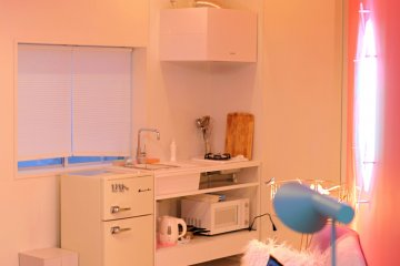 A practical kitchen with all the basic amenities